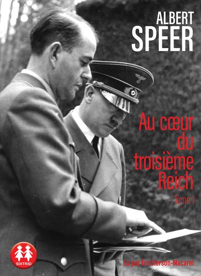 Les mémoires d'Albert Speer sont un document exceptionnel à plus d'un titre: témoignage d'un des plus hauts dignitaires nazis, il relate en détail le fonctionnement de l'appareil d'État vu de l'intérieur, avec le mélange de rationalité bureaucratique et de soumission à l'arbitraire du chef qui le caractérise. Mais c'est aussi l'itinéraire d'un homme brillant, architecte de talent, qui est rapidement séduit par Hitler et qui va progressivement mettre son intelligence et ses compétences au service de la machine de guerre nazie et d'une idéologie totalitaire.Ce n'est que dans les tous derniers mois du régime que ses yeux se dessillent et qu'il manifeste quelques velléités d'indépendance: il aura auparavant, comme ministre de l'Armement, organisé la production d'armes et de munitions avec une efficacité redoutable, orchestrant le travail forcé des prisonniers de guerre, de ceux des camps de concentration et des recrues du travail obligatoire.Cet ouvrage lucide ne cherche ni à justifier ni à amoindrir la responsabilité de l'auteur, qui affirme: «Je n'ai pas seulement voulu raconter, mais aussi comprendre.» Rapportant le nazisme à une perversion de la logique technicienne de notre époque, il nous livre aussi une interrogation sur l'énigme de l'aveuglement et de la servitude volontaire.Adhérent au parti nazi dès 1931, Albert Speer (1905-1981) est l'architecte en chef du parti nazi. Condamné à vingt ans de prison à Nuremberg, il est libéré en 1966.
